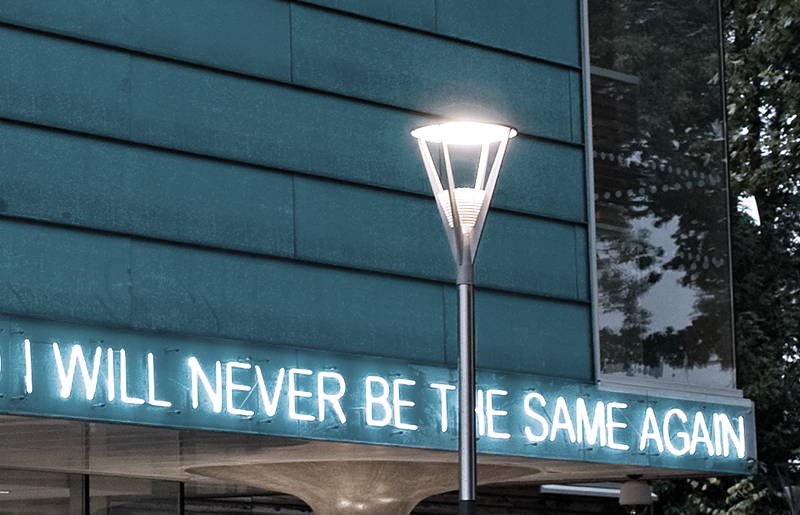 Neon – Exterior